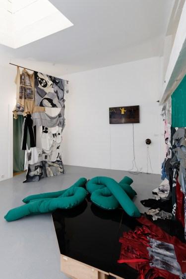 Liv Schulman, El Goubernement (2019). Imágenes de la instalación. Cortesía de la Villa Vassilieff