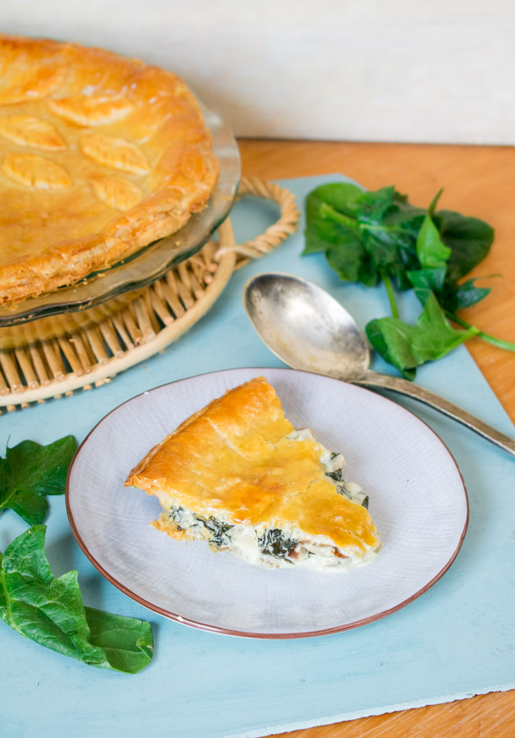 Pay de espinaca, palmitos y alcachofa - receta en revista Maria Orsini