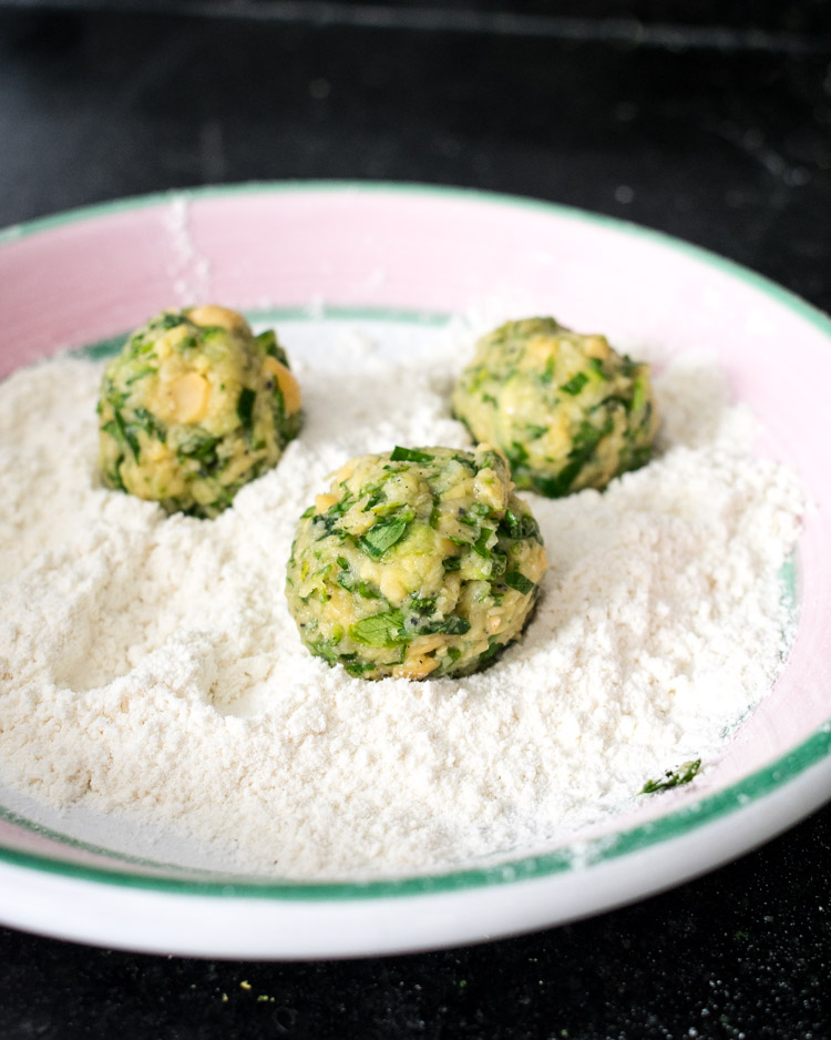 Receta de tortitas de garbanzo tipo falafel