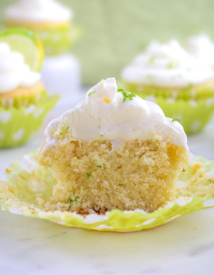 Cupcakes de limón con betún de mascarpone