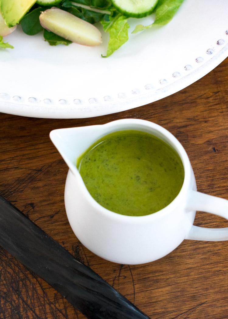 Aderezo de cilantro para ensalada tibia de pollo