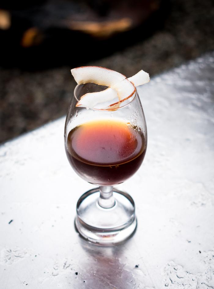 Coctel de café y ron