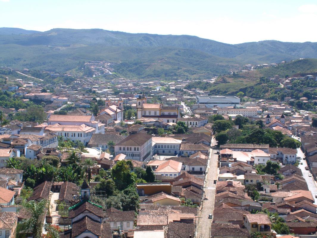 Fig. 4: Vista de Mariana, do alto da Igreja de São Pedro dos Clérigos. (Foto: Robson Godinho e Rodrigo Mercandier)