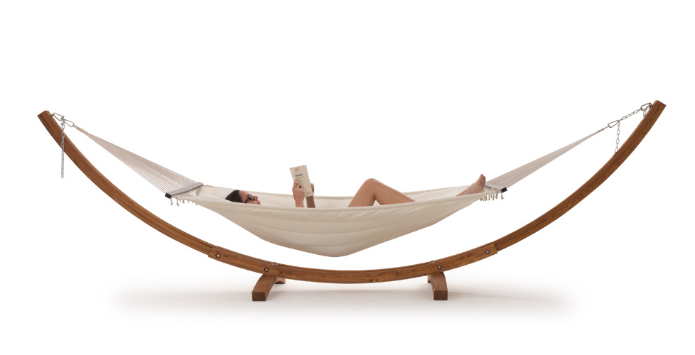 Hamacas modernas para la terraza revista muebles for Mobiliario de terraza ikea