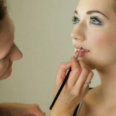 Truques de maquiagem para treinar em casa