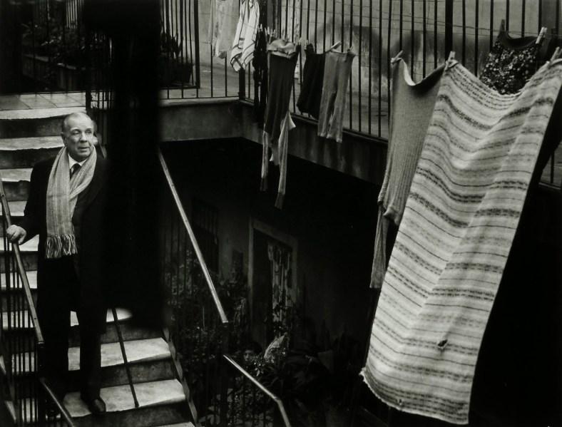 Jorge Luis Borges en la casa de Evaristo Carriego