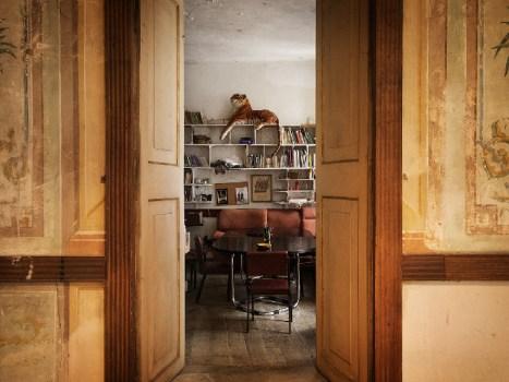 Entrada á biblioteca. Foto: Iván Barreiro