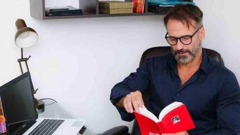 ator-e-psicologo-carlos-arruza-fala-sobre-o-trabalho-nas-duas-areas-03