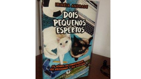 livro-dois-pequenos-espertos-os-gatinhos-que-brincam-com-a-tecnologia