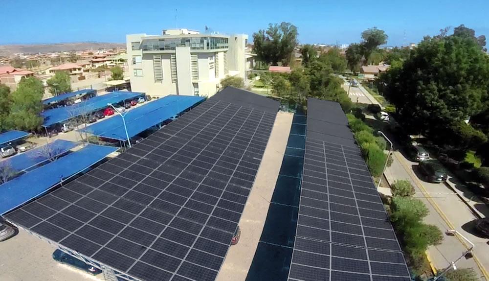 UPB presenta Parqueo Solar más grande de Bolivia