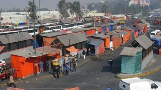 Paradero de autobuses de la estación Indios Verdes, Ciudad de México.