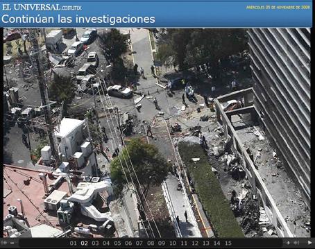 """""""Un avión se había estrellado cerca de la Fuente de Petróleos..."""" Foto © El Universal."""