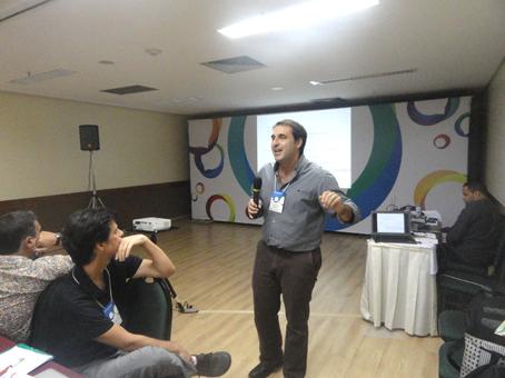 Juan Mascardi en el seminario Periodismo de televisión en la era de la imagen digital.