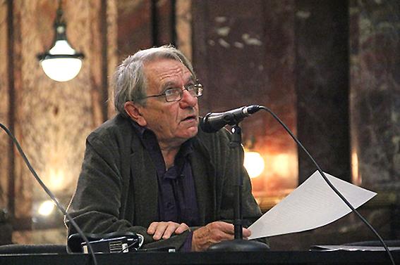 Durante una conferencia en Rosario, Argentina.