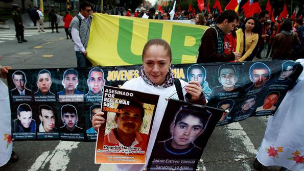 El reclamo por los secuestrados y asesinados por las FARC. Foto © www.eldiario.es
