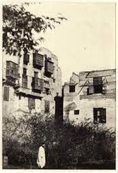 """""""Le Kaire: maison et jardin dans le quartier Frank"""", pl. 3, papel salado de negativo sobre papel, 21 x 14 cm, montada sobre papel 44.5 x 31cm, archivo digital de la New York Public Library."""
