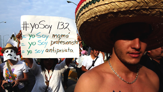 La segunda marcha del #YoSoy132, 10 de junio de 2012. Foto © AFP.