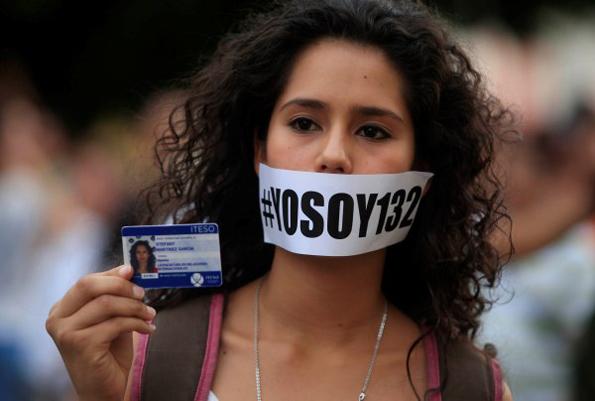 Manifestación de Yo soy 132. Foto © Héctor Jesús Hernández.