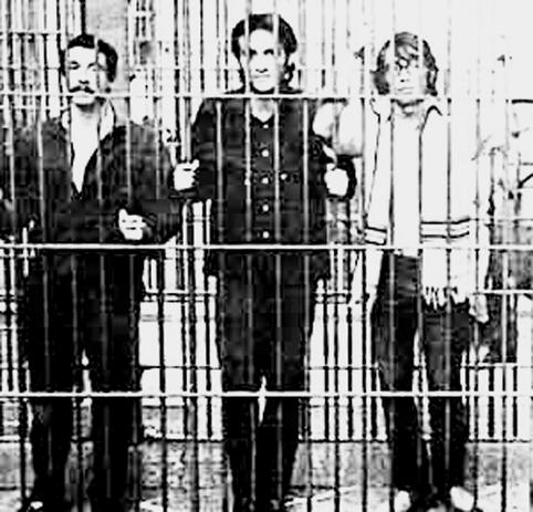 Raúl Álvarez Garín, Gilberto Guevara Niebla y Eduardo Valle, El Búho, detenidos en Lecumberri Foto tomada del libro Memorial del 68, editado por la UNAM.