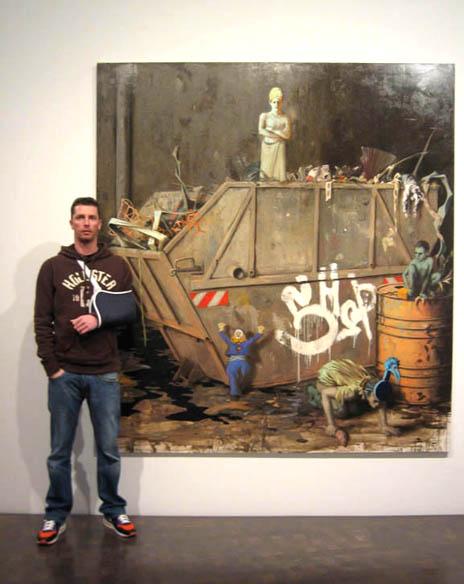 "Jonas Burgert con su obra ""Temple""."