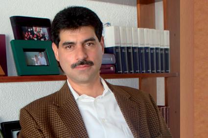 Dr. Luis Barrón.