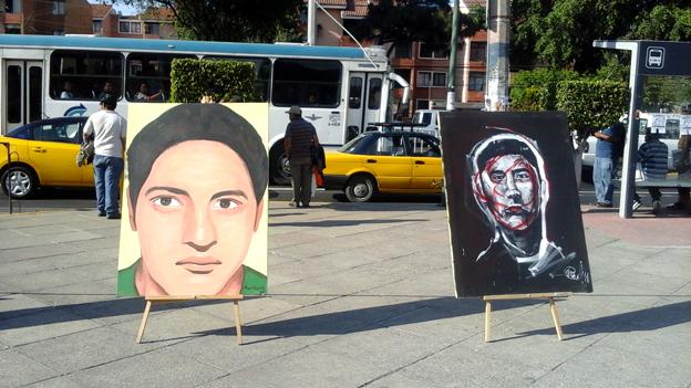 Retratos de dos desaparecidos de Ayotzinapa. Foto © Antonio Monterrosas.