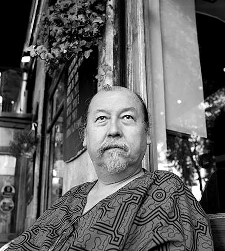 El poeta Yulino Dávila. Fotografía © Guillem Sans.