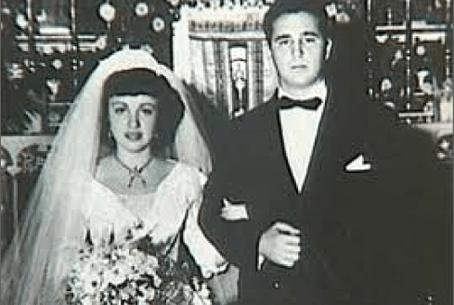 El 11 de octubre de 1948 Fidel Castro se casó con Mirta Francisca de la Caridad Diaz–Balart Gutiérrez, estudiante de Filosofía y hermana de Rafael Díaz–Balart, Waldo y Frank.