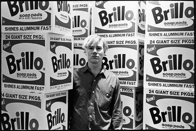 Warhol y las cajas de detergente Brillo.