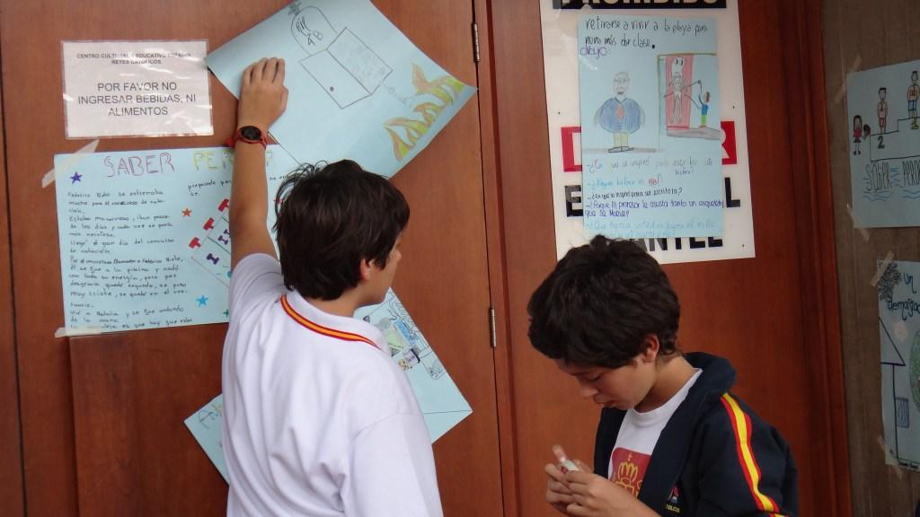 El alumnado mostró sus trabajos de aula sobre Yolanda Reyes.