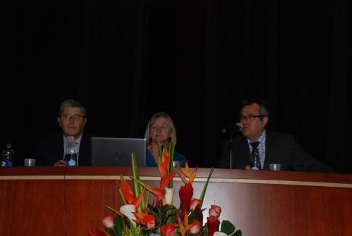 Don Jaime Prieto Prieto, la vicerectora doña juliete Mzorec y Don Manuel Lucena Agregado de educación de la Embajada de España en colombia.
