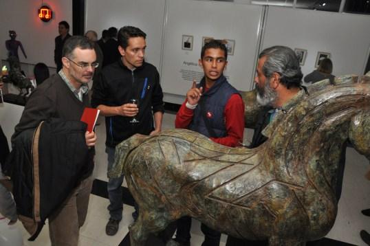 Hermosos caballos de bronce creados con la técnica tradicional del molde a la cera perdida.
