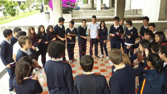 Alumnado realizando una actividad.