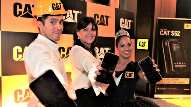 low CAT S52 Lanzamiento