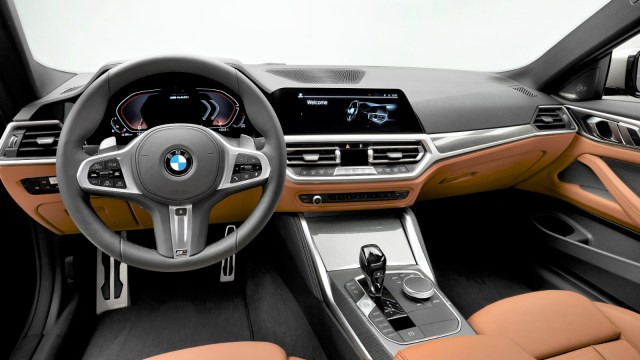P90390053_highRes_the-all-new-bmw-4-se