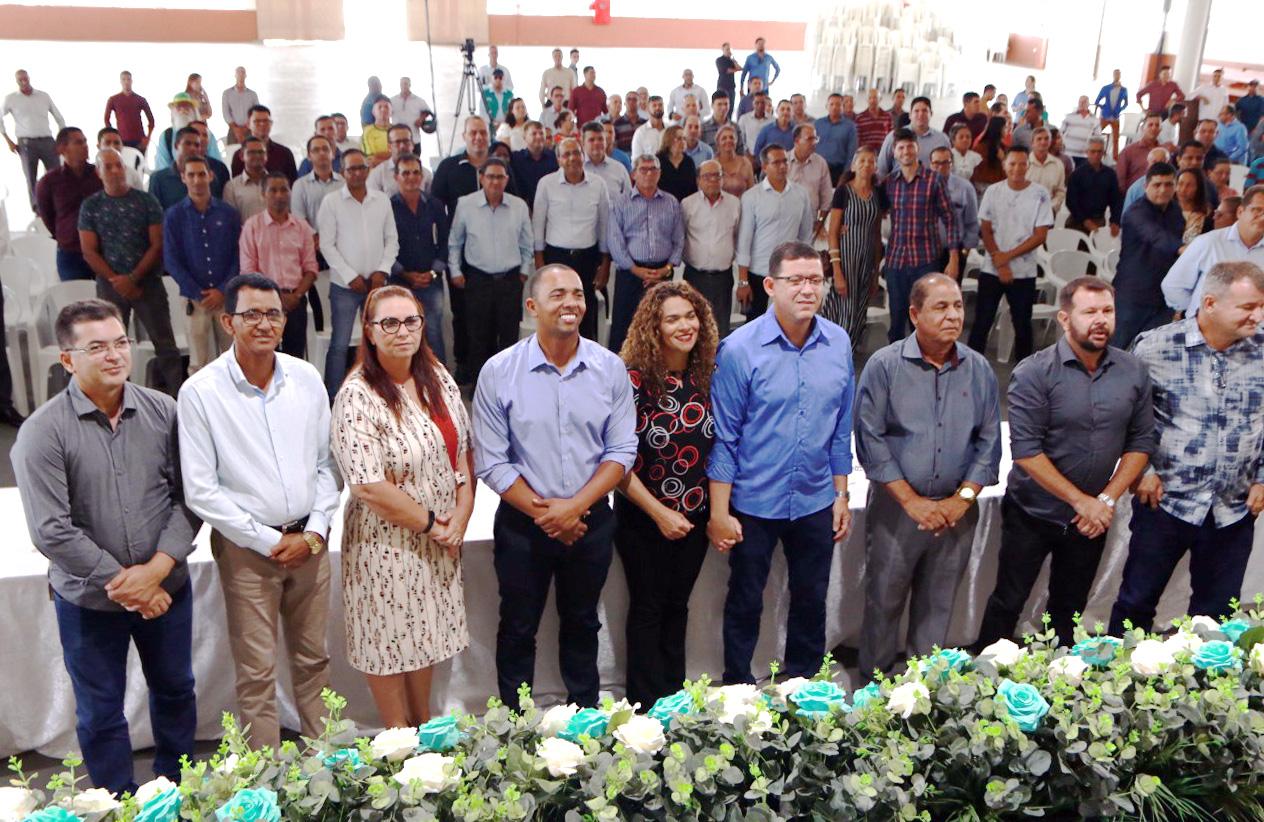 Jhony Paixão se reúne com cerca de 200 pastores em Ji-Paraná