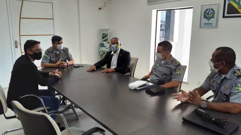 Deputado Jhony intercede por soldados do curso de formação de cabo da PM