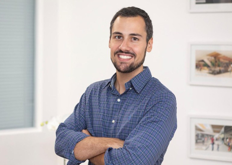 Pedro Villarino Serviço de Atendimento ao Consumidor - Revista Shopping Centers