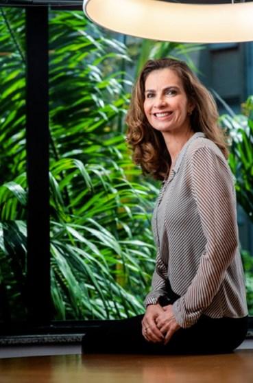 Renata Corrêa da Aliansce Sonae fala sobre programas de estágio - Revista Shopping Centers