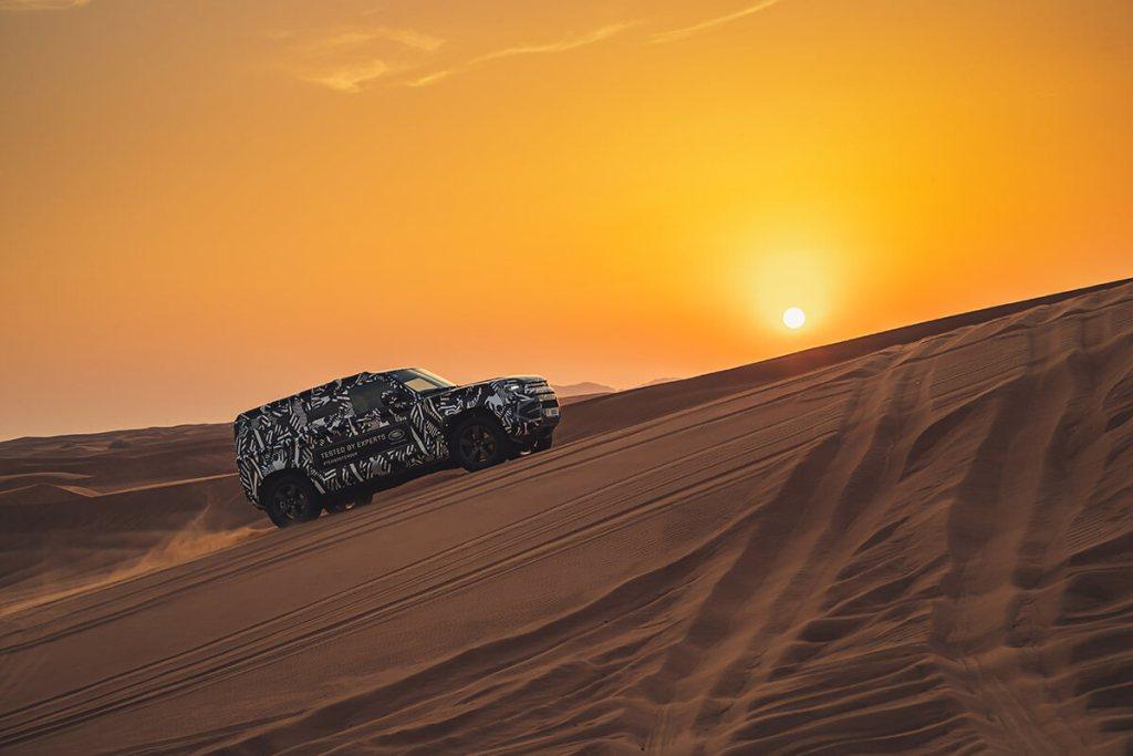 Novo Defender longo no Dubai