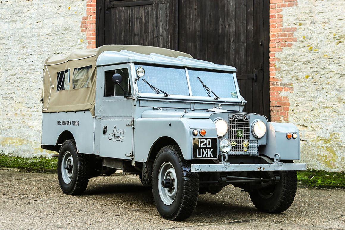Land Rover 107 funerário