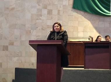 Adriana Atristain en tribuna