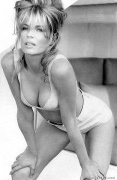 Kim Basinger.