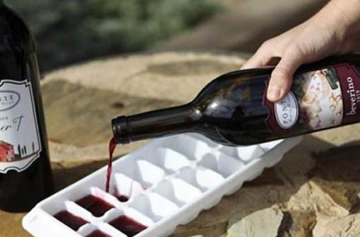 Cubitos para enfriar el vino.