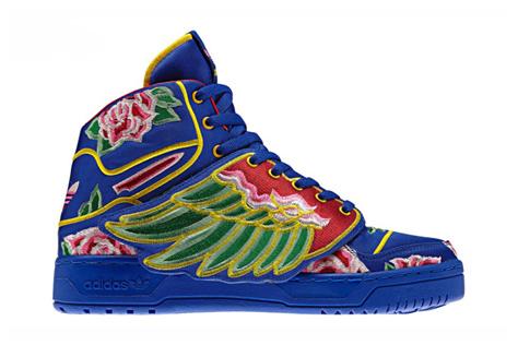 Jeremy Scott - Adidas con Alas estilo japonés