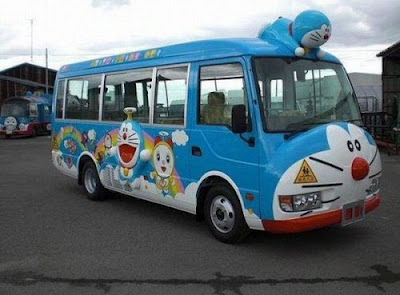 Autobuses Escolares en Japón - Doraemon