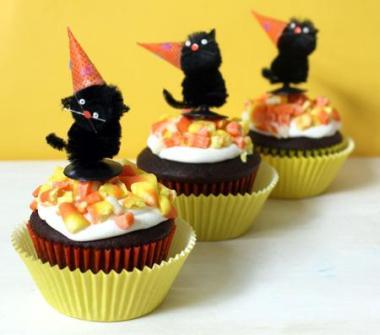 Cupcakes para Halloween con gatos negros