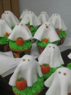 Cupcakes para Halloween con fantasmas