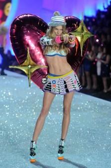 Desfile de Victoria's Secret 2013 - Lindsay Ellingson