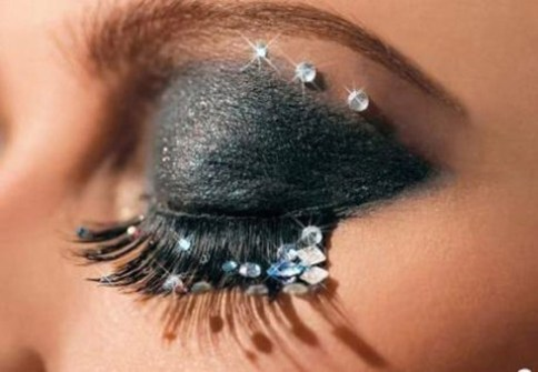 Make up con strass